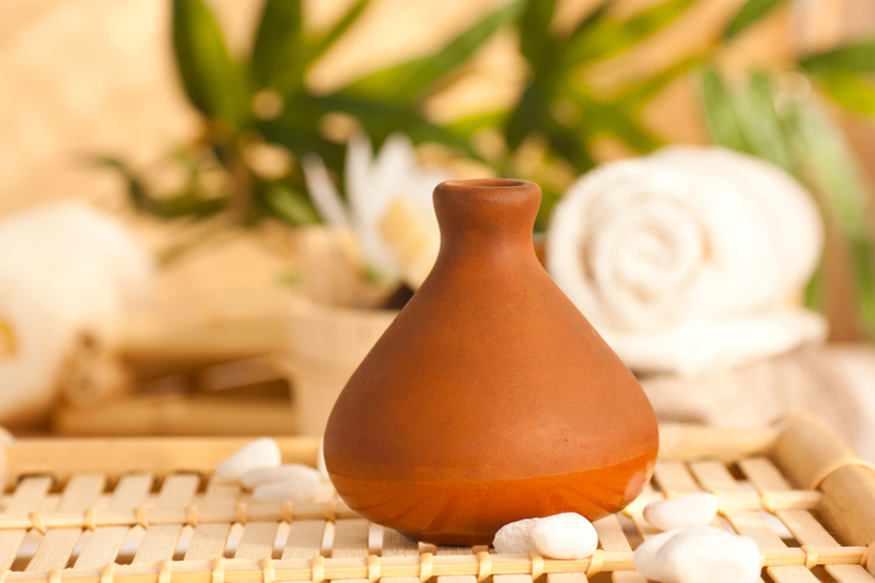 ceramic diffuser with essential oils