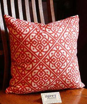 lace-up pillow