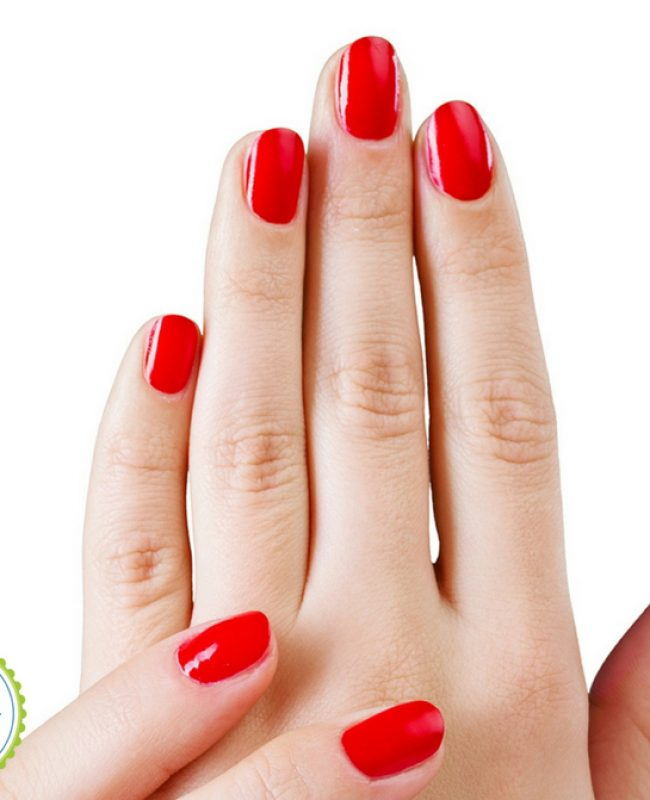 Use essential oils to strenghten nails