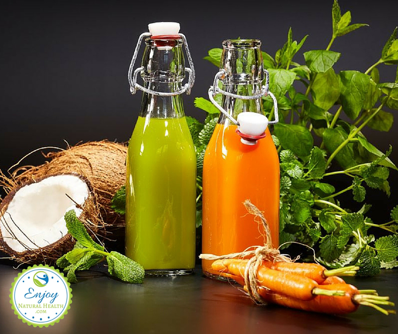 Colon cleansing foods: fresh organic vegetable and fruit juices that help keep your colon in top shape