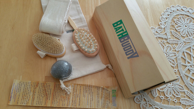 This dry brushing set has everyting you need to take care of your skin.